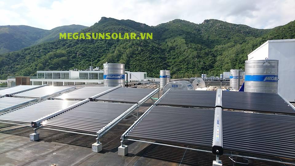 bình nước nóng năng lượng mặt trời công nghiệp