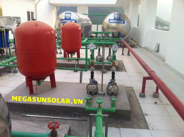 Bồn nước nóng công nghiệp Megasun
