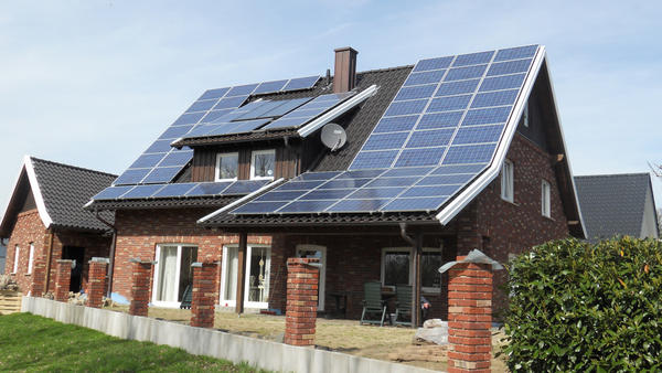 Điện năng lượng mặt trời gia đình megasun