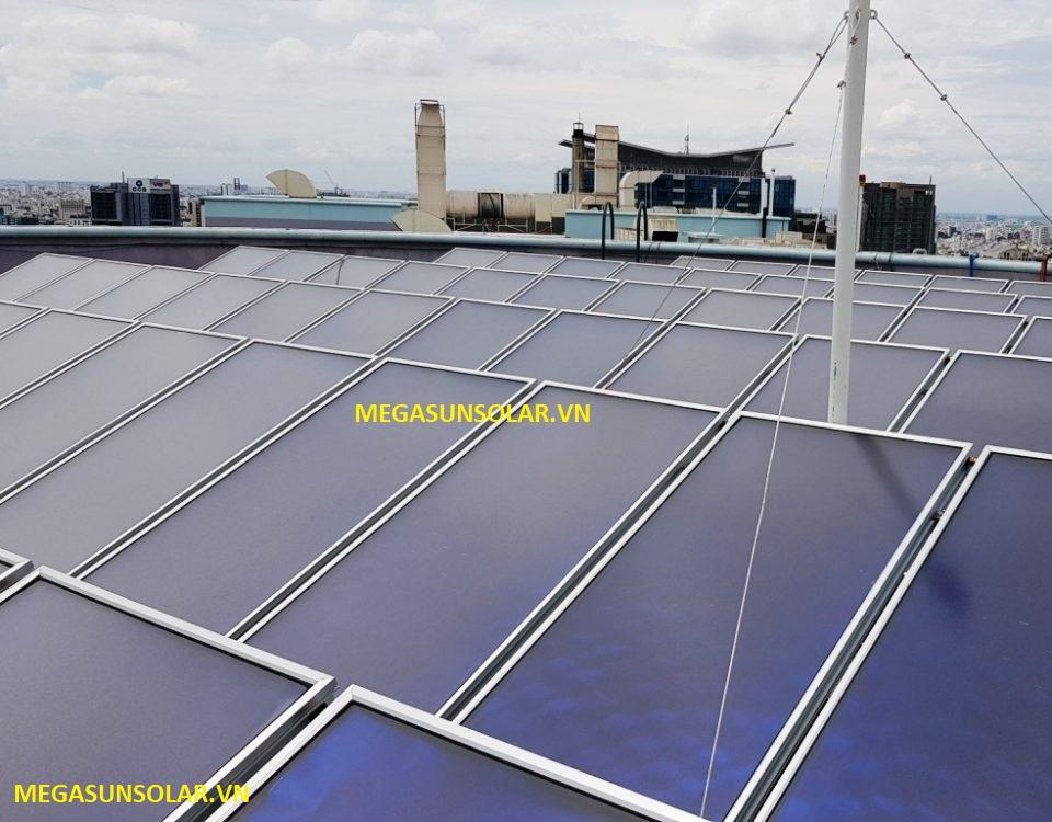 Hệ thống nước nóng trung tâm năng lượng mặt trời tấm phẳng chịu áp MEGASUN
