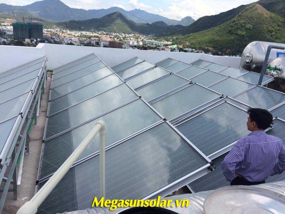Tấm phẳng thu nhiệt Megasun chất lượng cao tận dụng nguồn năng lượng mặt trời tự nhiên tại Nha Trang