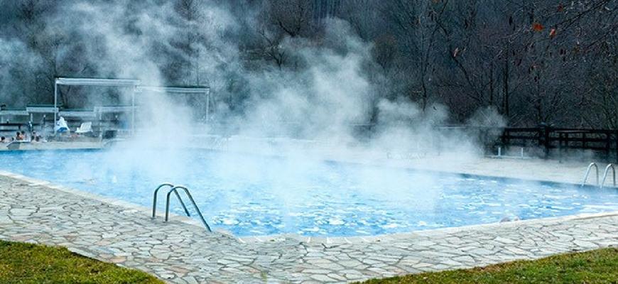 Bể bơi nước nóng dùng bơm nhiệt Heat Pump Nirvana