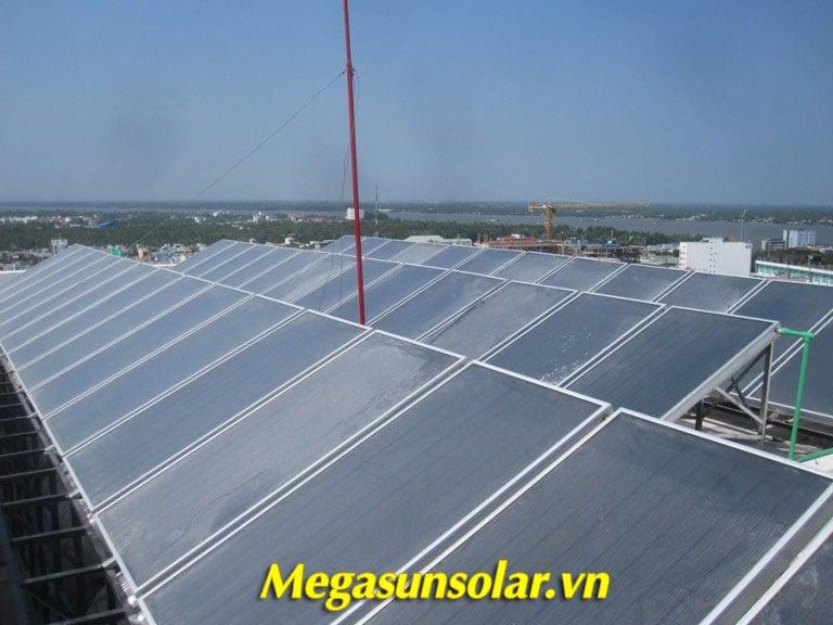 Giàn tấm phẳng thu nhiệt Megasun tiết kiệm 90% điện năng