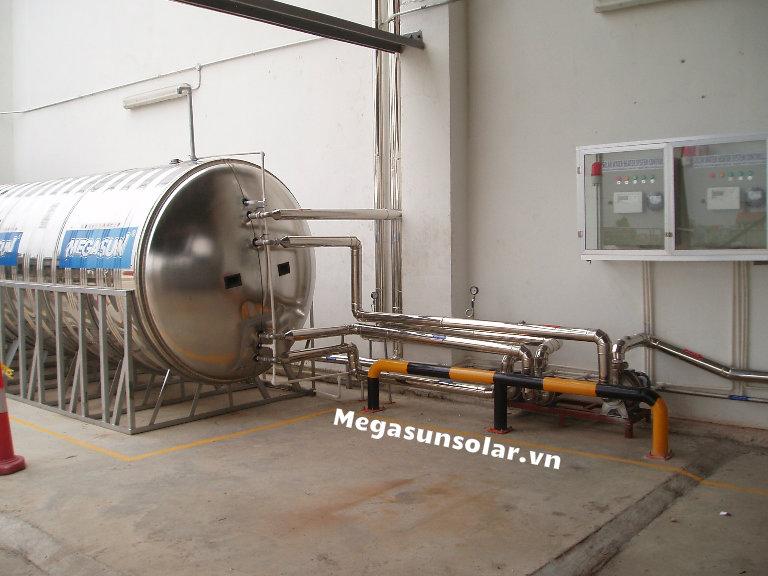 Bồn nước nóng công nghiệp