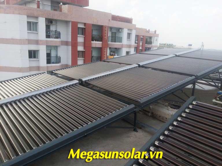 Giàn máy nước nóng năng lượng mặt trời dạng ống Megasun