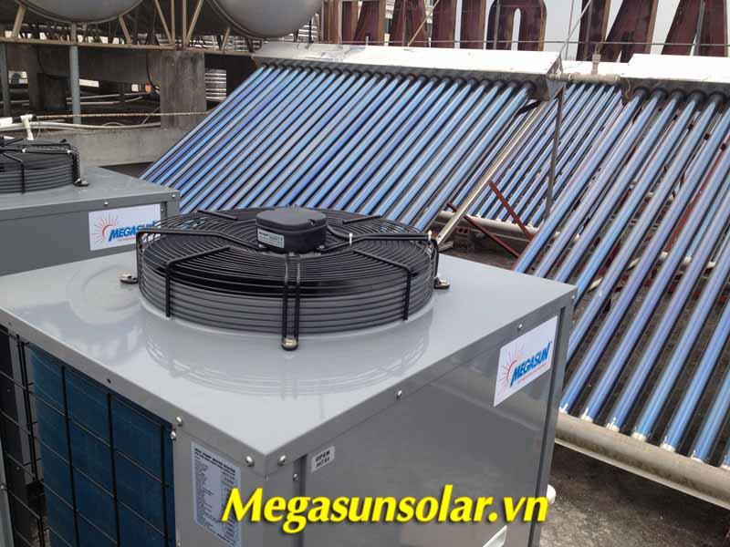 Dự án nước nóng bơm nhiệt và tấm thu nhiệt năng lượng mặt trời ống chân không tại Khách sạn Quảng An, Móng Cái, Quảng Ninh