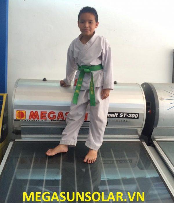 Tam-phang-thu-nhiet-chiu-ap-megasun-st300