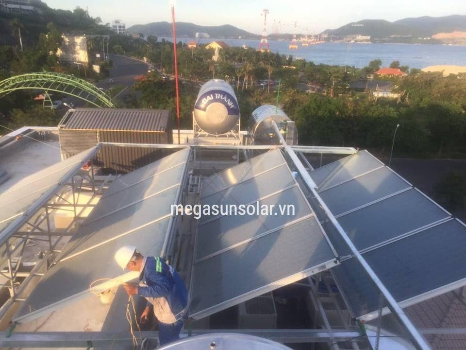 Máy bơm nhiệt kết hợp năng lượng mặt trời Megasun