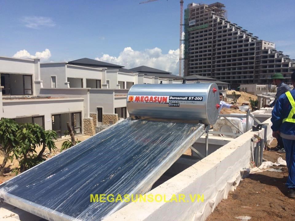 máy nước nóng năng lượng mặt trời tấm phẳng megasun nhập khẩu hy lạp