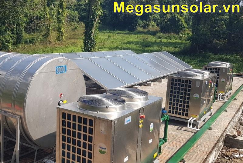 Máy bơm nhiệt công nghiệp Megasun MGS-3HP kết hợp với thiết bị làm nóng nước bằng năng lượng mặt trời (dạng tấm phẳng)