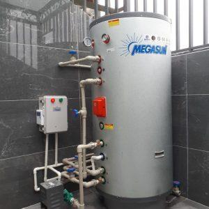 Máy bơm nhiệt nước nóng Megasun MGS-2HP-500L lắp đặt trong dân dụng