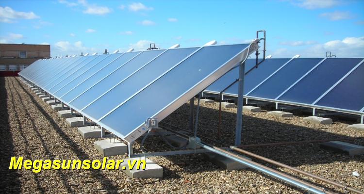 Hệ thống nước nóng trung tâm năng lượng mặt trời Megasun