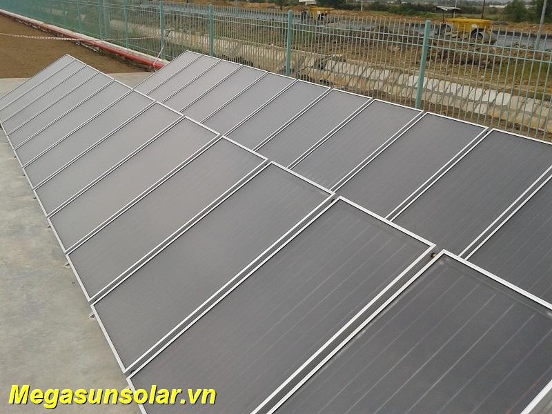 Ứng dụng máy nước nóng tấm phẳng năng lượng mặt trời MEGASUN