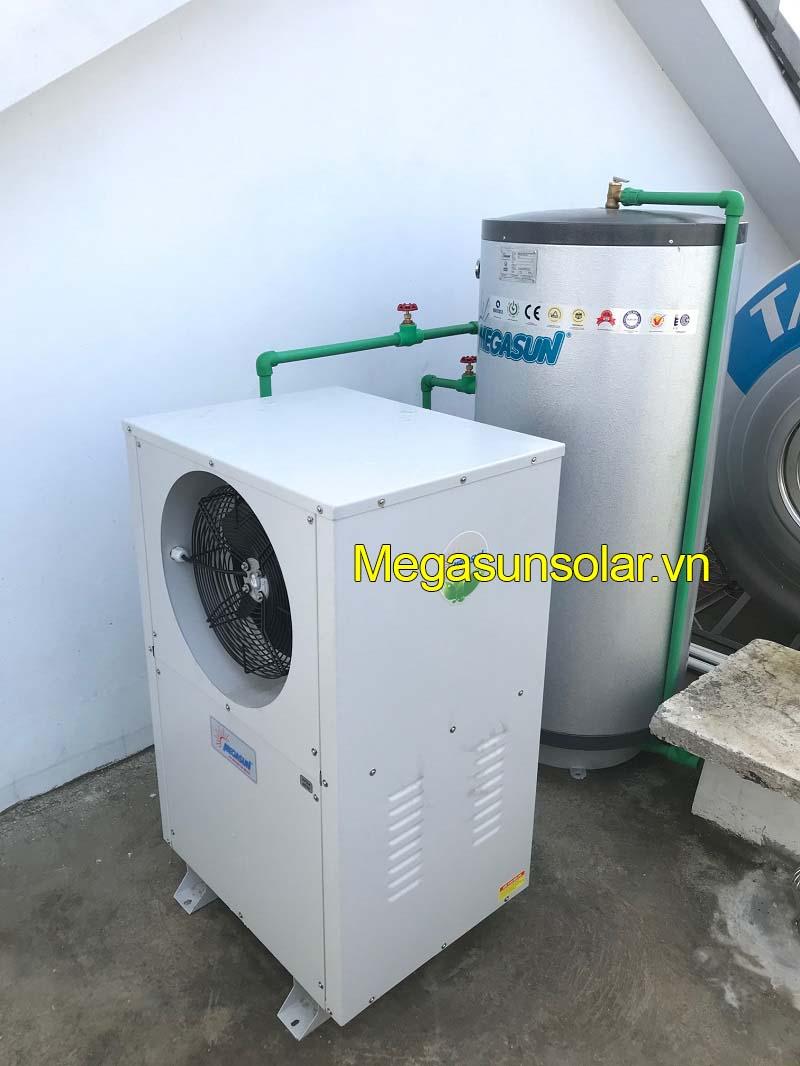 Bơm nhiệt sử dụng năng lượng không khí để sản xuất nước nóng