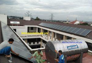 Máy nước nóng năng lượng mặt trời dạng tấm phẳng Megasun