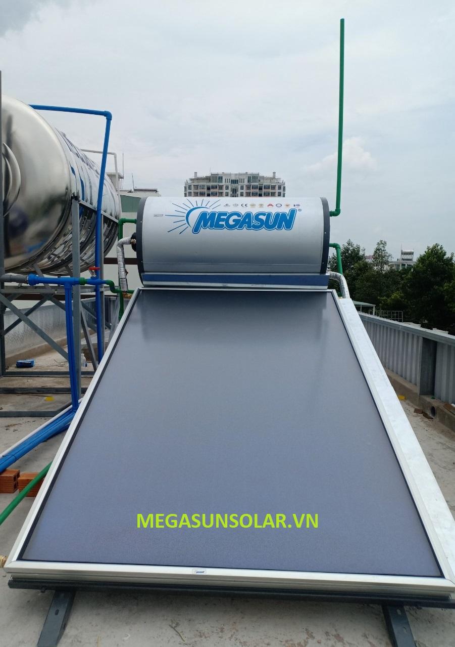 Máy nước nóng năng lượng mặt trời loại tấm phẳng Megasun